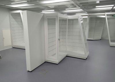 Lahden-hiihtomuseon-vitriinien-teräsrungot-4